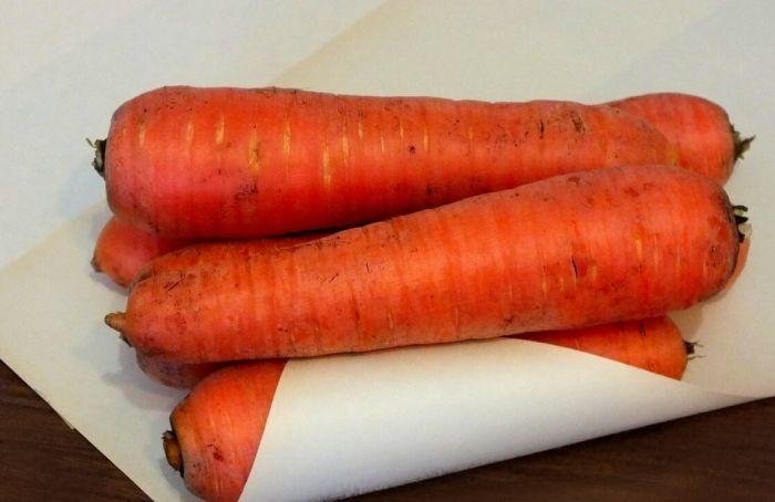 хранение моркови в бумаге