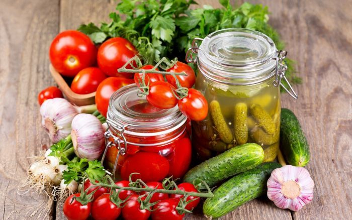 овощные заготовки из огурцов и помидоров