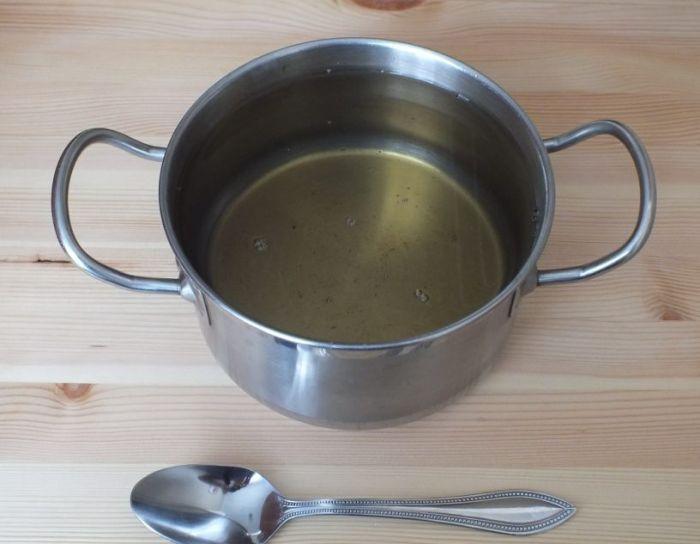 приготовление рассола в кастрюле